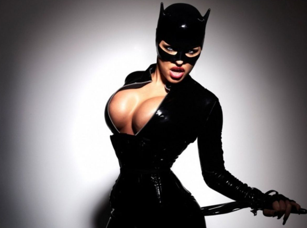 like-catnip-for-your-eyes-these-10-sexy-catwoman-cosplays-will-have-your-mind-sprinting-i-337426